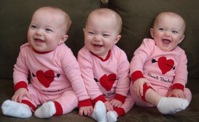 İkiz ya da üçüz olmanın anne ve bebeği açısından avantaj ve dezavantajları