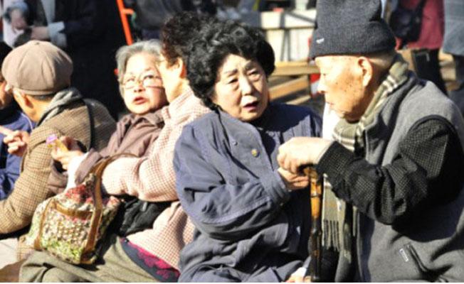 Japonya'da yaşlılar cezaevine girmek için suç işliyor