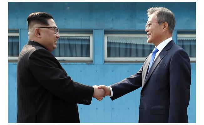 Kuzey Kore ve Güney Kore liderleri bir arada