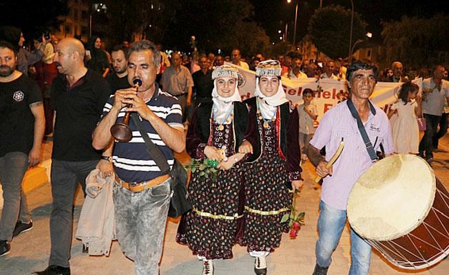 Malatya'da kayısı festivali unutturuldu!