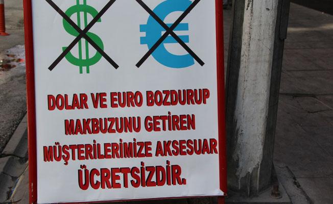 Esnaf, Türk Lirasına destek için kampanya başlattı