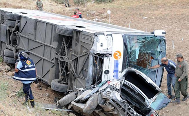 Kahramanmaraş'ta feci kaza!.. 7 ölü, 24 yaralı...