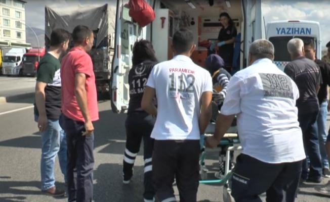 Hızını Alamayan Bisikletli Minibüse Çarptı: Bisiklet Sürücüsü Yaralandı!