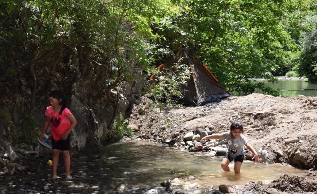 Kayaarası Kanyonu turistlerin gözdesi oldu!