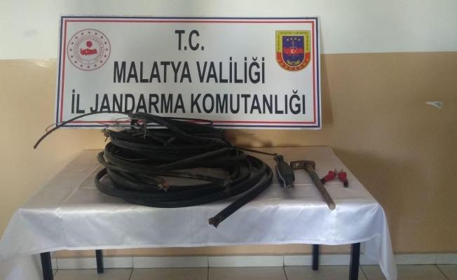 Kablo hırsızları suçüstü yakalandı!