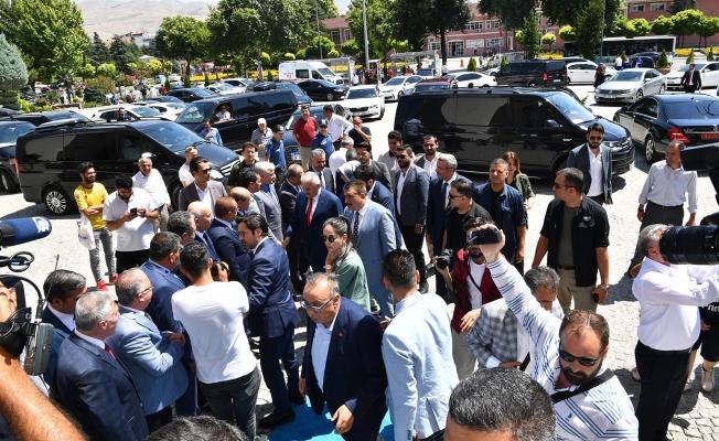Türkiye'nin son Başbakanı Yıldırım gençlerle buluşmak için Malatya'da!