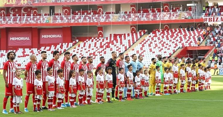 B.Yeni Malatyaspor Antalya'da Kayıp: 3-0