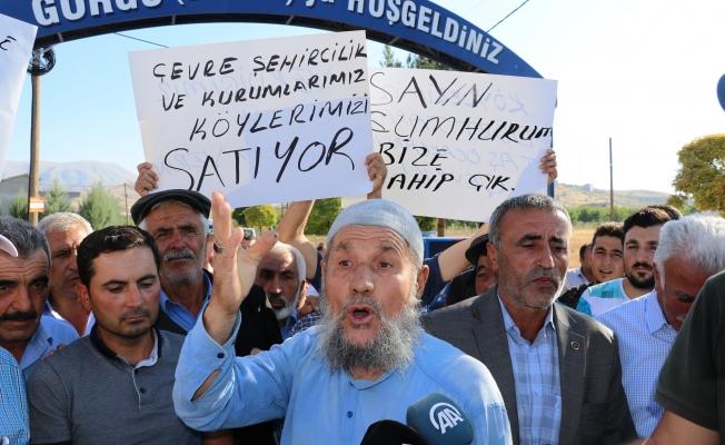 Köylüler taş ocağına karşı eylem yaptı