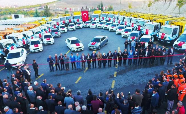 Battalgazi Belediyesinin 75 aracı düzenlenen törenle hizmete sundu