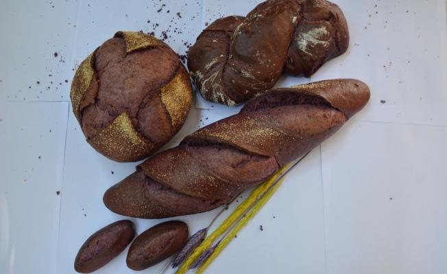 Malatya'da mor ekmeğe ilgi artıyor...
