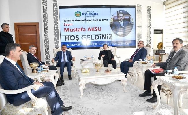 Bakan Yardımcısı Aksu , Başkan Gürkan'ı ziyaret etti