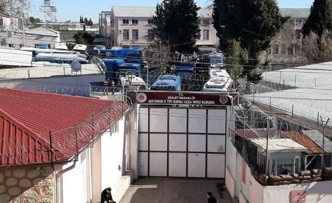 Depremde hasar gören cezaevi boşaltılıyor!