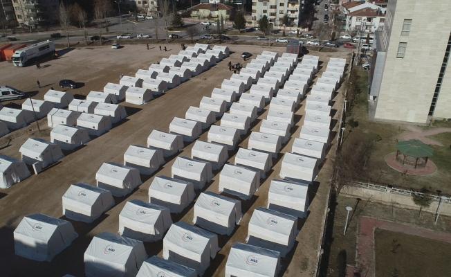 Depremzedeler için yeni çadır kentler kuruldu!