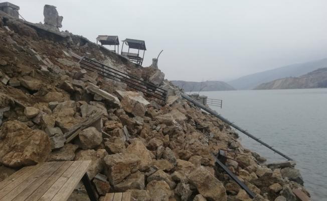 Doğanyol'da iskele deprem sonrası yerle bir oldu!