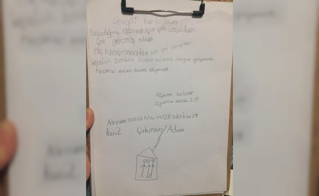 Yardım paketlerinin içinden çıkan notlar duygulandırdı