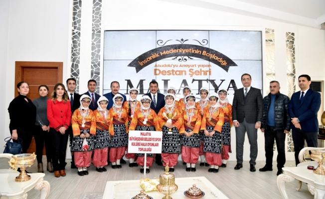 1. olan ekibe Başkan Gürkan'dan hediye!