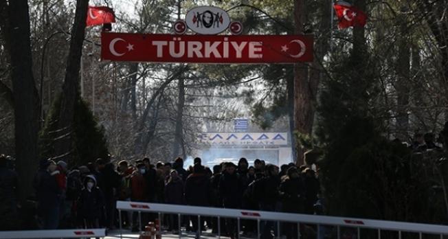 Kapılar açıldı! Mülteciler akın akın Avrupa'ya gidiyor...