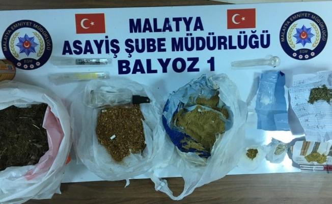 Malatya'da silah ve uyuşturucu ele geçirildi, fuhuştan aranan 2 zanlı yakalandı!