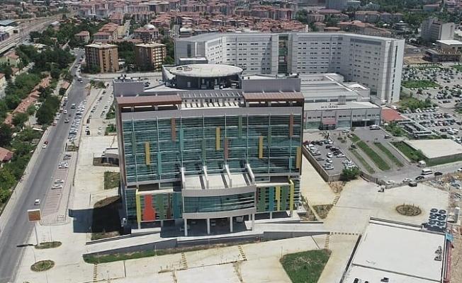 Malatya'nın ilk ve tek deprem izalatörlü hastanesi...