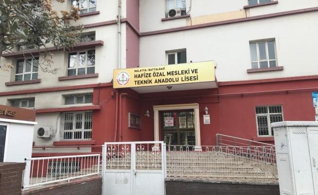 Tescilli okulun yanındaki bina yıkılacak!