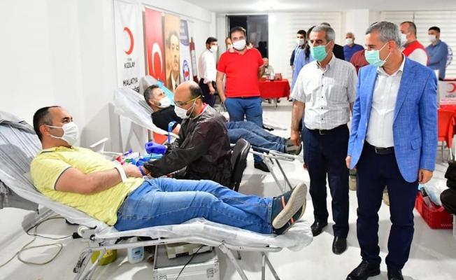 Çınar, kan kampanyasına destek istedi