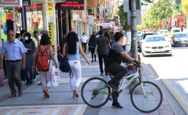 Malatya'da kısıtlamanın ardından cadde ve sokaklar hareketlendi