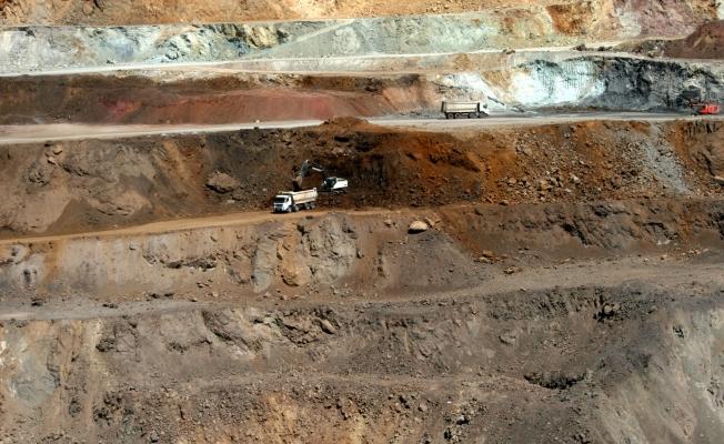 Maden ocağına saldırı! Dozer yakılmak istendi, projektör cihazına silahla saldırdılar!