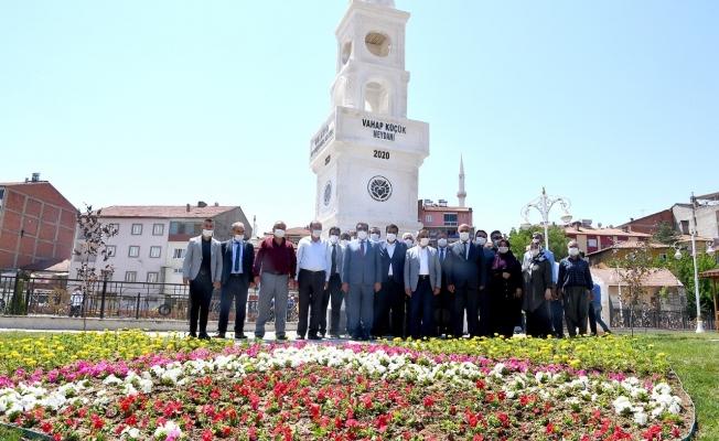 Doğanşehir'de Vahap Küçük Meydanı hizmete girdi!
