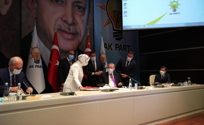 Cumhurbaşkanı Erdoğan'a kayısı ikramlı teşekkür