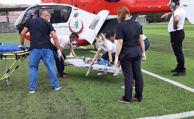 1 yaşındaki bebek bisikletten düştü! yardımına ambulans helikopter yetişti
