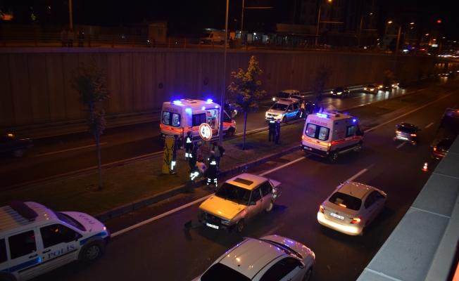 Alt geçitte kaza...4 yaralı