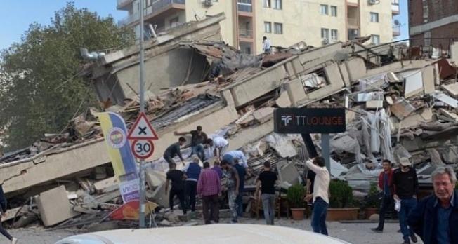 İzmir'de 6.6 şiddetinde deprem! Korku dolu anlar!