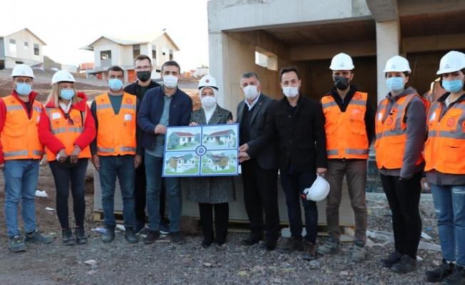 Çalık: Malatya'da 6 bin 81 deprem konutu inşa ediliyor