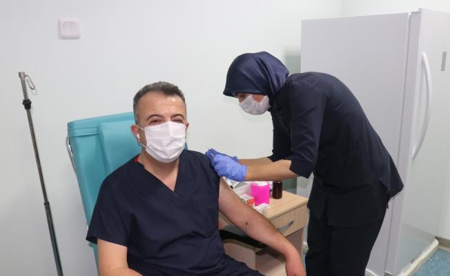 Malatya'da Covid-19 aşı denemeleri başladı!