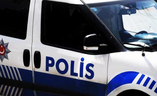 Sokağa çıkma kısıtlamasında polisten kaçan 3 kişi yakalandı! 1'i korona hastası!