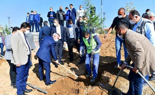 Yeşilyurt'tan projeye destek: Bin 444 adet fidan