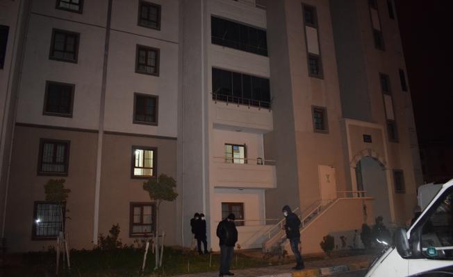 4 çocuk babası eşi tarafından evde ölü bulundu