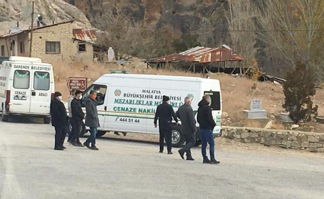 Malatya'da iki kardeş aynı gün koronadan hayatını kaybetti