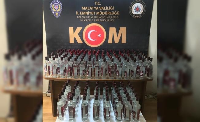 Malatya'da onlarca şişe kaçak içki ele geçirildi