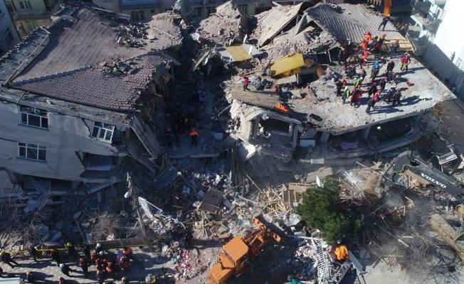 Elazığ depreminin üzerinden tam bir yıl geçti... Acılar hala taze...
