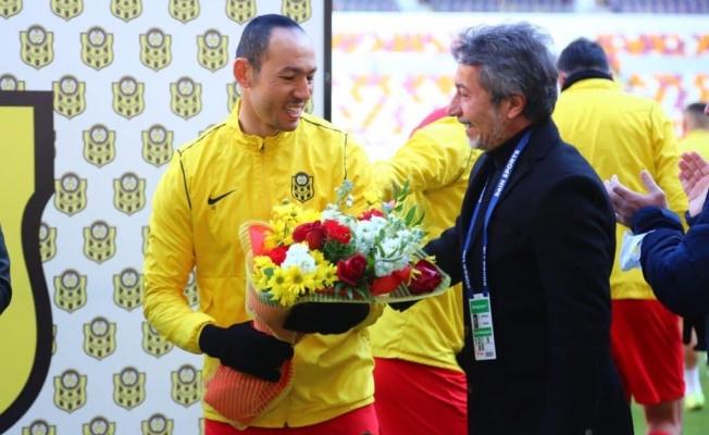 Umut Bulut Türk spor tarihine geçti... Süper Ligin en çok forma giyen oyuncusu!
