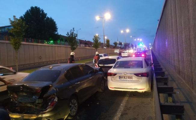 Malatya'da alt geçitte zincirleme kaza: 2 yaralı!