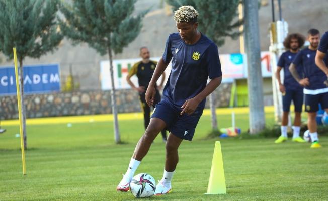Ndong, ilk antrenmanına çıktı