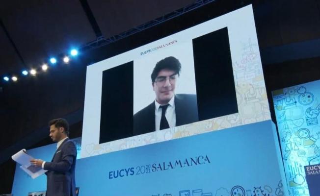 17 yaşındaki Feridun, projeleriyle ödüle doymuyor! Yine Birinci oldu!