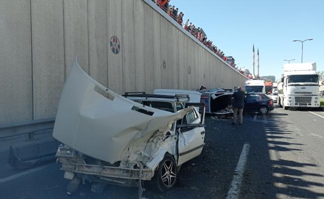 Alt geçitte feci kaza! 4 yaralı...