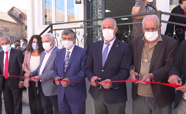 Arguvan'da Prof. Dr. Gazi Gülbaş Kültür Merkezi törenle açıldı