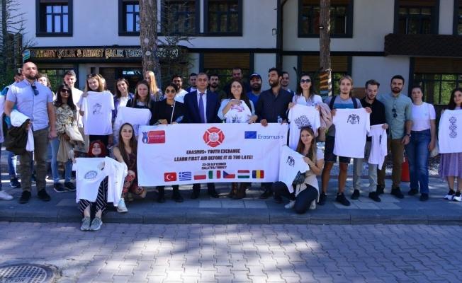 """""""Çok Geç Olmadan İlk Yardım Öğrenin"""" projesi kapsamında öğrenciler Malatya'yı gezdi"""
