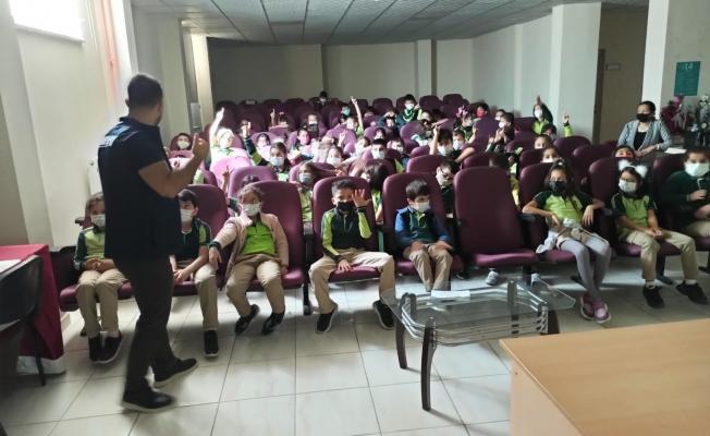 İlkokul öğrencilerine güvenli internet  eğitimi