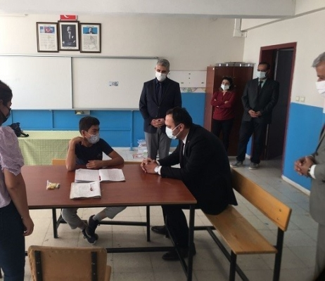 Kaymakam Kazdal'dan okul ziyareti