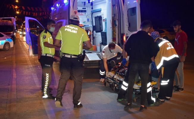 Malatya'da hafif ticari araçla çarpışan motosiklet sürücüsü yaralandı